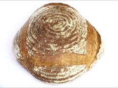 天然酵母のパン・ド・カンパーニュ  ¥1,080(ハーフ¥540、1/4 270)